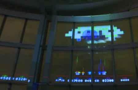 2018年インベーダー展巨大UFO